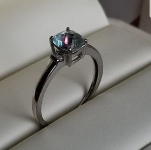 Jewelry - 10k white gold mystic topaz diamond ring